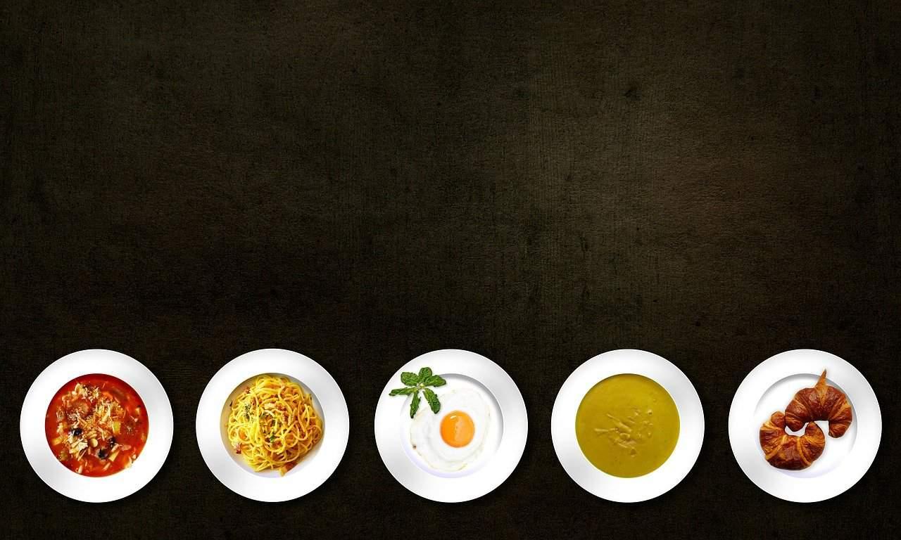 Colazione, pranzo, cena… Perché fa bene fare molti pasti scadenzati?