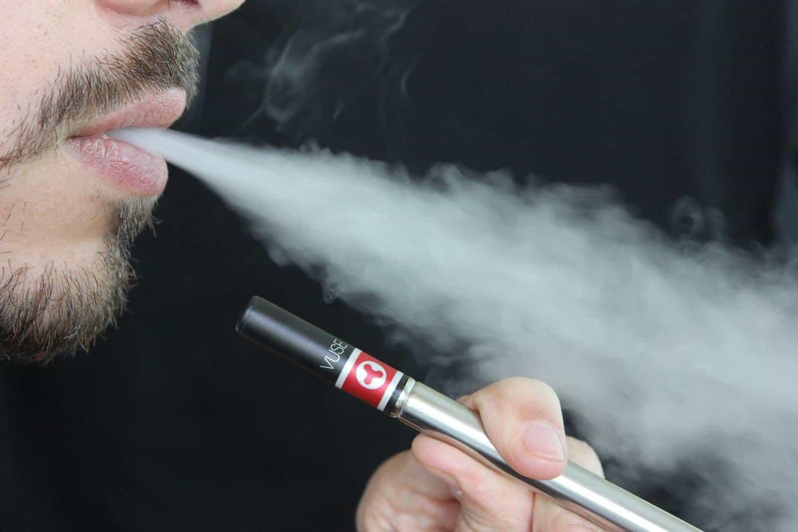 L'OMS dichiara guerra alle sigarette elettroniche