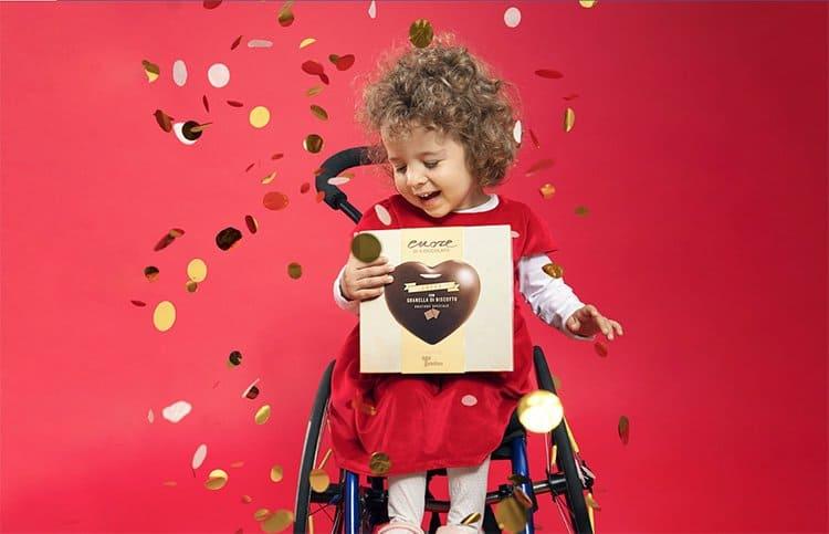 Telethon: in 3mila piazze i cuori di cioccolato per sostenere la ricerca scientifica sulle malattie genetiche rare