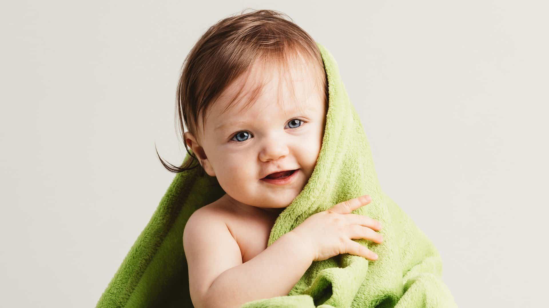 Il bagnetto intelligente: un videocorso di nuoto baby nella vasca di casa