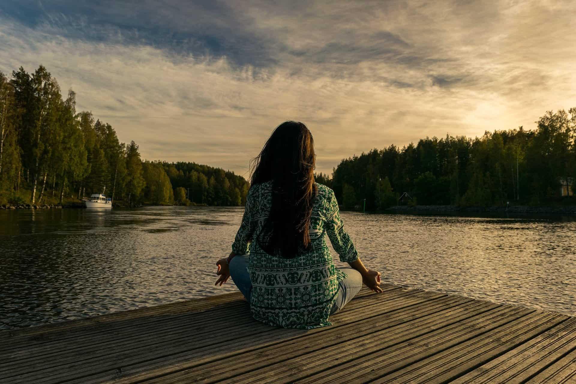 Meditazione cosa è? Ce lo spiega Elena Cei esperta di Yoga e meditazione